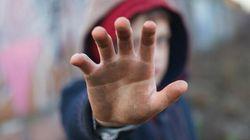 Tredicenne violentato da undici minorenni in provincia di