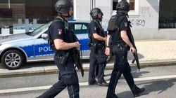 Amburgo, uomo aggredisce persone con un machete: un morto e diversi feriti. S'indaga per
