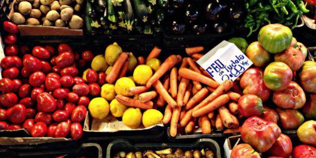 Addio alle 5 porzioni di frutta e verdura al giorno, ne servono almeno 10 per allontanare il rischio...