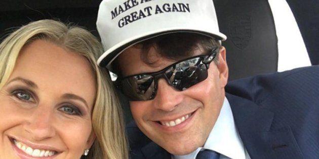 La moglie di Scaramucci ha partorito nel giorno dell'incarico al marito. Lui ha preferito Trump e i Boy