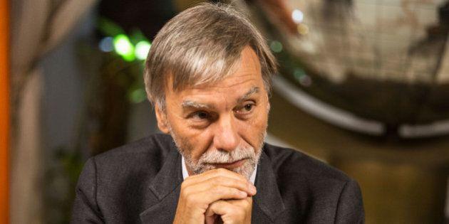 Il ministro Graziano Delrio convoca un tavolo tecnico con taxi e Ncc al ministero. Restano fuori Uber...