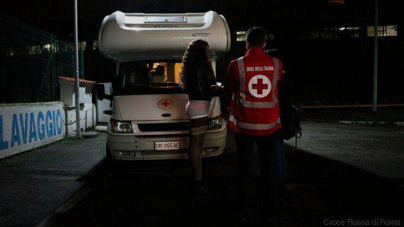 Prostitute, escort e Hiv: una notte tra la Roma a luci rosse. Il progetto della Croce Rossa di Roma e...