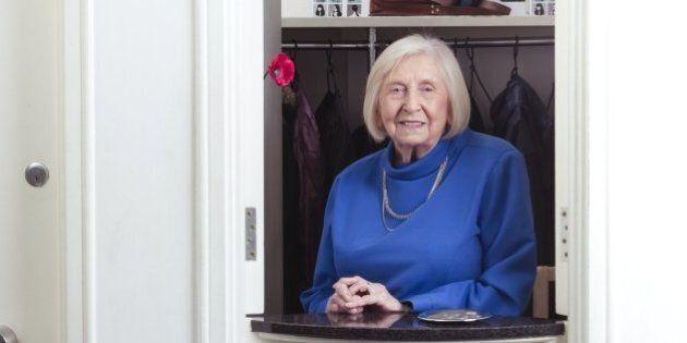 La 94enne Jean Miller spiega il segreto per vivere a lungo: