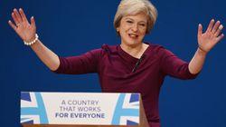Theresa May invoca la Brexit, ma la rete chiede più