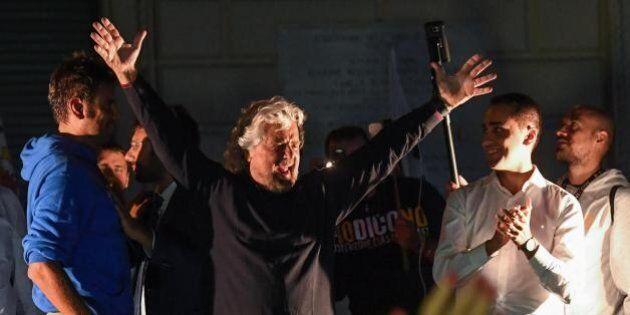 Beppe Grillo usa il bilancino per sedare la rivolta M5S contro il Direttorio: non azzera ma promette...