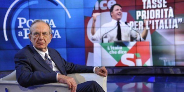 Pier Carlo Padoan rinvia il taglio Irpef al 2018, convince Renzi a tenere basso il deficit e punta sul...