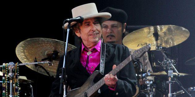 Bob Dylan ritirerà il Premio Nobel a Stoccolma (ma solo perché ha in programma due concerti in