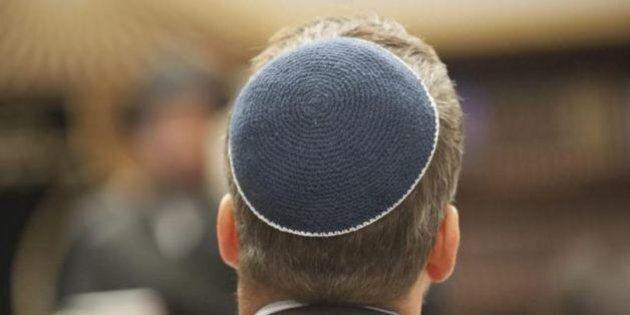 Parigi, ragazzi ebrei con kippà picchiati nelle banlieue. Aggressione al grido