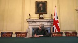 Questo dettaglio della foto di Theresa May mostra la portata storica della