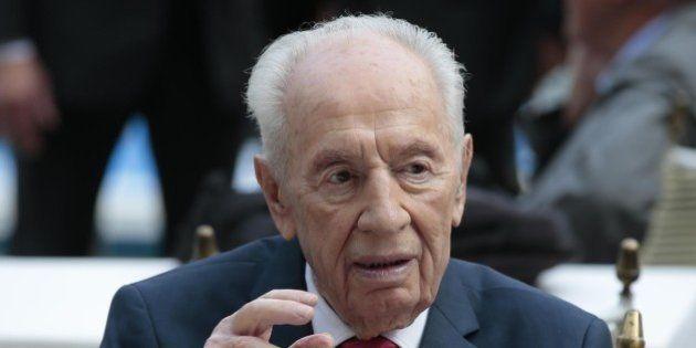 Shimon Peres ricoverato. L'ex presidente di Israele colpito da ictus a 93 anni, ma sarebbe
