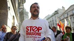 Incredibile ma vero: Salvini firma per dare più aiuti a migranti e coppie