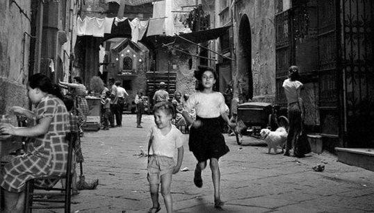 Napoli salva 500mila scatti del suo primo fotoreporter con il