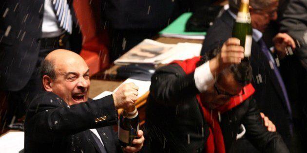 Sondaggio Scenari Politici, per gli italiani la classe politica resta sempre la Casta: privilegi e rendite
