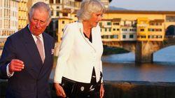 Per Carlo e Camilla passeggiata romantica tra Ponte Vecchio e il Lungarno a