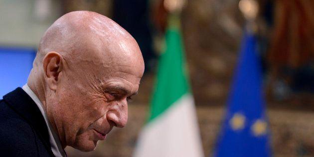 Governo, il ministro più gradito dagli italiani è Minniti con il 41%. Poletti