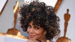 Halle Berry sceglie gli Oscar per mostrare al mondo i suoi capelli