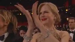 Lo strano modo di applaudire di Nicole Kidman agli