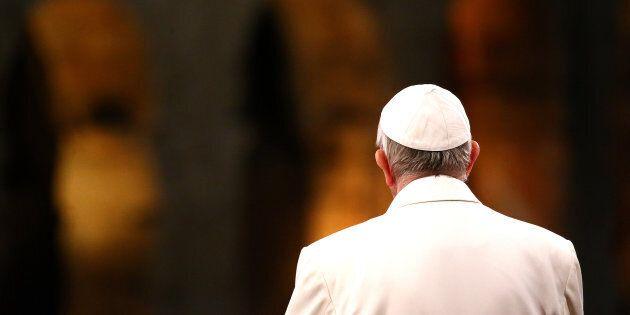Le battaglie in Vaticano. Dove ha vinto e dove ha perso Papa Francesco: dall'involuzione delle finanze...