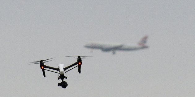 Terrorismo, Londra alza sicurezza aeroporti e centrali