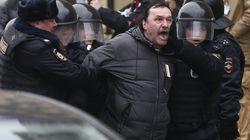 Ancora cortei di protesta a Mosca, decine di