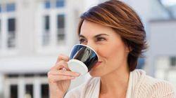 Nessun rischio tumore se si beve caffè, ma mai troppo caldo. Il parere di Fondazione