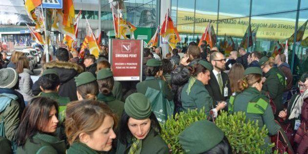 Alitalia, pressing dei soci italiani per aumentare l'entità dei tagli nel piano. Il Governo pronto a...