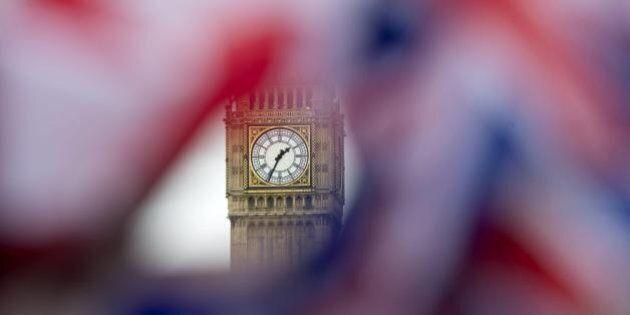 Referendum Brexit, Cameron e Farage litigano su