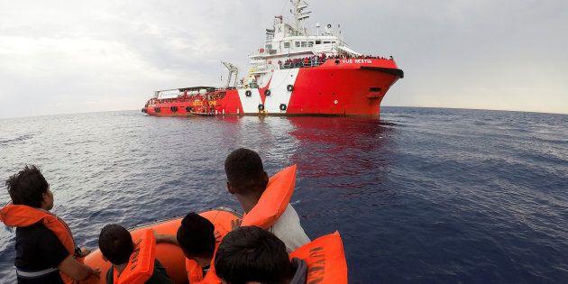 Libia, il piano infiltrazioni allarma le Ong: maggiori controlli nella selezione degli