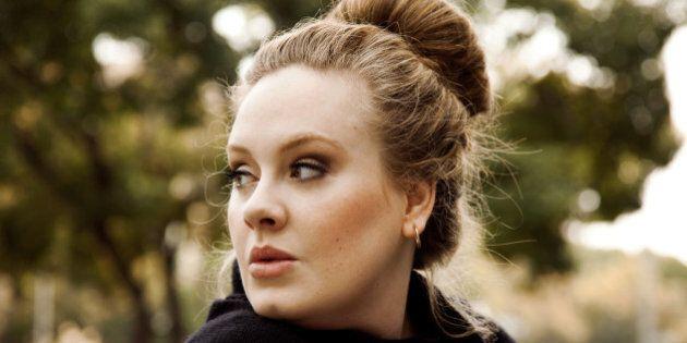 Adele sarebbe pronta a dire basta ai concerti dal vivo per crescere al meglio suo figlio