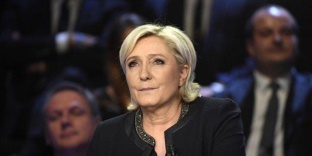 Marine Le Pen in affanno: nel dibattito tv con tutti i candidati Fillon bersaglio preferito, ma è lei...