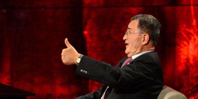Referendum, Romano Prodi dice sì, dietro la scelta il lavorio dei renziani. Renzi tira un respiro di