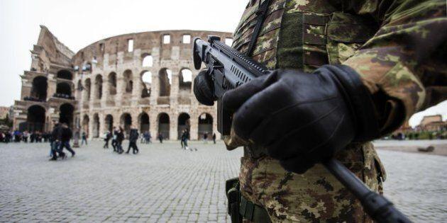 Terrorismo, il ritorno dei foreign fighters radicalizzati all'origine dell'allarme dei servizi