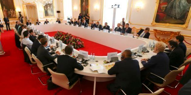 Vertice Bratislava, dopo Brexit si riparte da sicurezza e crescita. Si rafforza asse Renzi-Merkel-Hollande,...