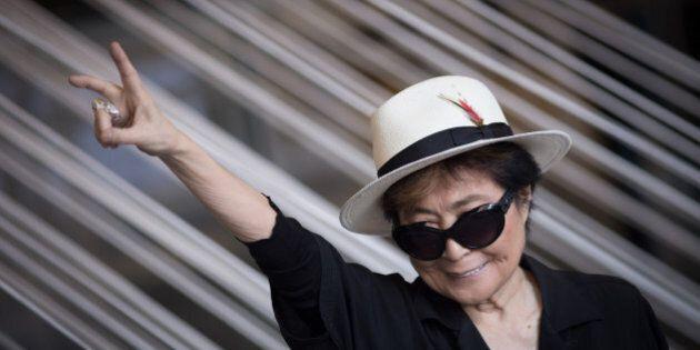Yoko Ono lancia un appello a tutte le donne: