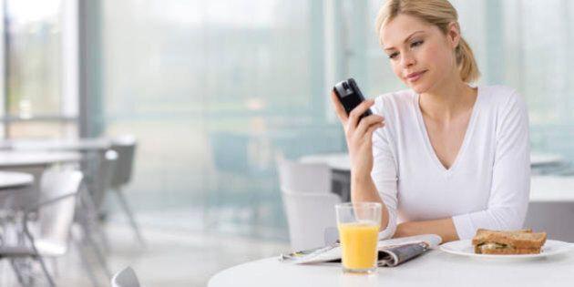 10 regole per la pausa pranzo perfetta: al bar o in mensa, scegli il piatto