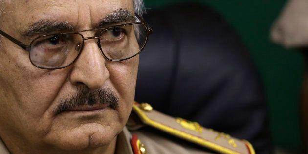 La relazione tra Haftar e l'Italia, fra minacce e