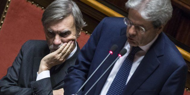 Renzi chiude polemica su migranti. Delrio sente Minniti