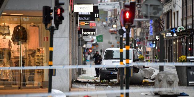 Attentato di Stoccolma, l'uomo arrestato sarebbe l'attentatore. Media locali: