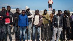 Settecento migranti respinti al muro di