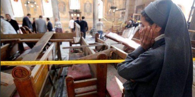 Egitto, esplosione in una chiesa cristiana nella domenica delle Palme, decine i morti. Terrore anche...