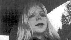 Chelsea Manning in copertina (in costume) su