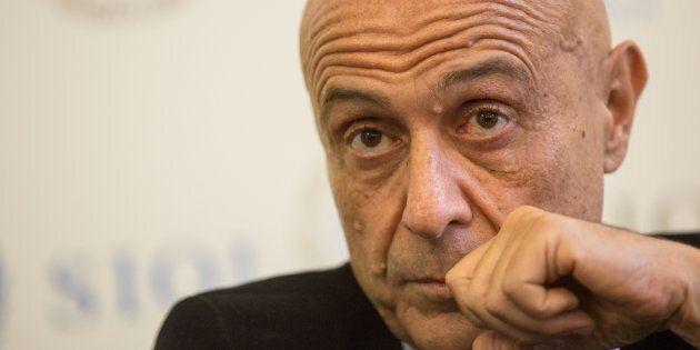 Retroscena di un cambio di rotta. Marco Minniti va in Vaticano e convince la Chiesa sulla strategia per...
