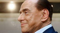 Dal codazzo alla folla, Silvio cancella la