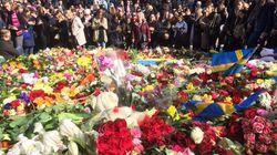 Stoccolma, arrestata un'altra persona per l'attentato. Cittadini in piazza contro il