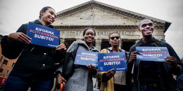 13/10/2016 Roma, sit in per il diritto di cittadinanza per i figli degli immigrati nati in