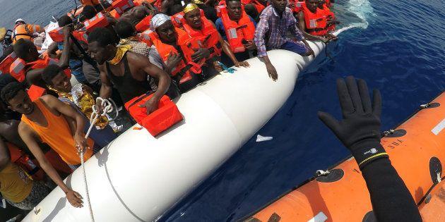 A luglio calo dei migranti sbarcati in Italia: -57% rispetto a