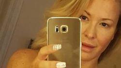 Anastacia nuda allo specchio dopo il tumore è un inno alla bellezza della