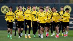 Tre esplosioni davanti al bus del Borussia Dortmund prima della Champions, ferito un