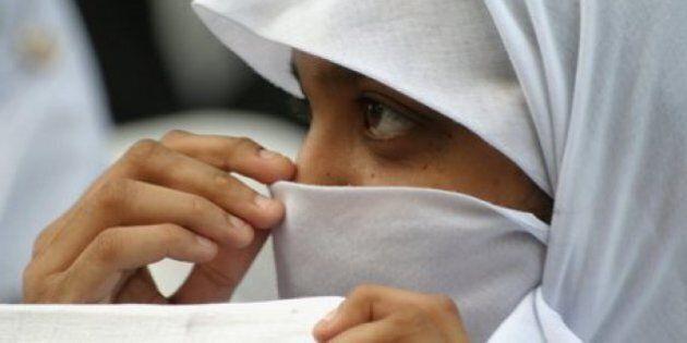 Picchiata dalla mamma perché non porta il velo: la giovane di Udine voleva vivere