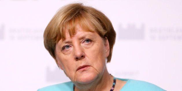 Angela Merkel ammette le sue responsabilità per il crollo della Cdu alle elezioni di Berlino. Linea dura...